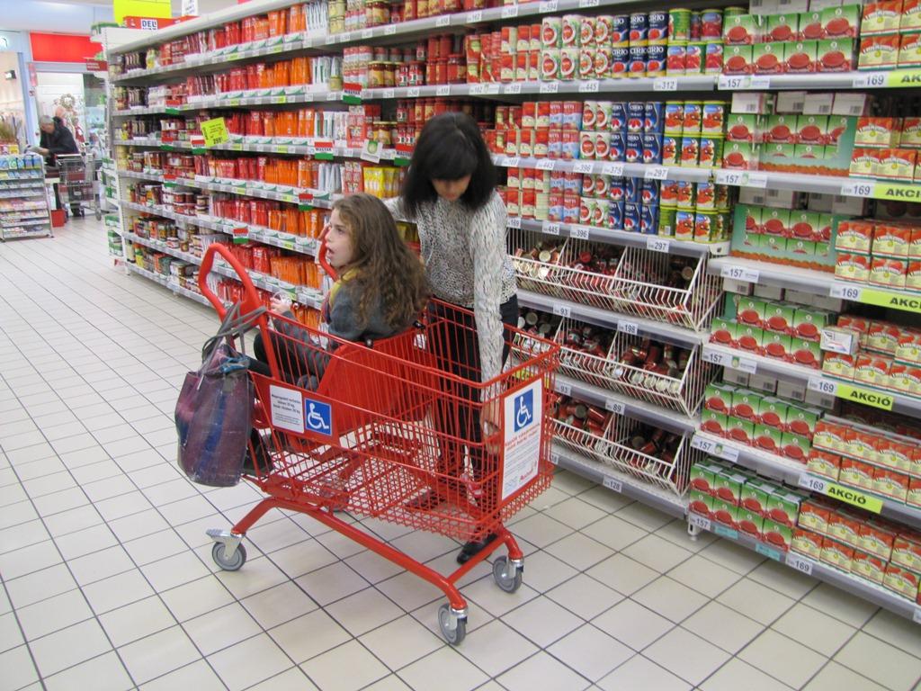 Együtt vásárolunk, mint bárki más.
